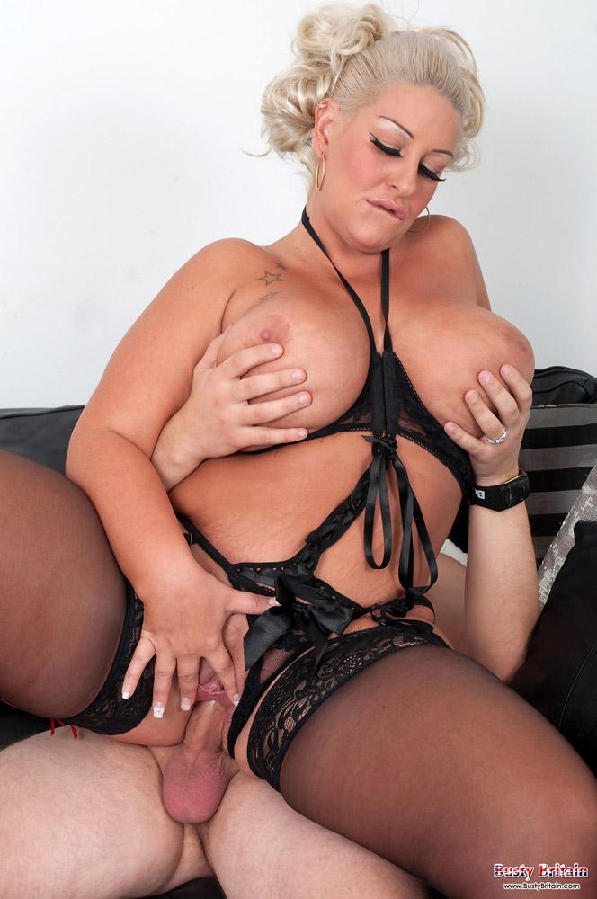 Vicki vallencourt nude