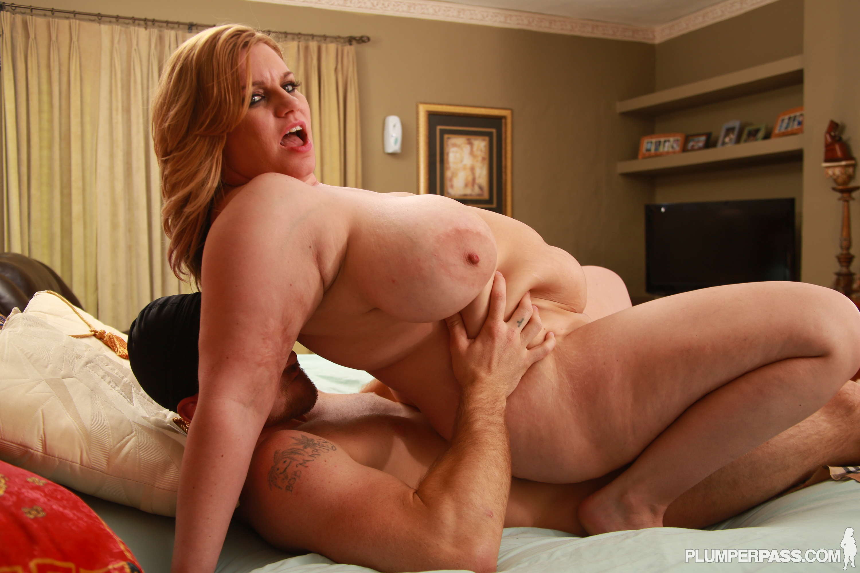 Hot blonde bbw fucking