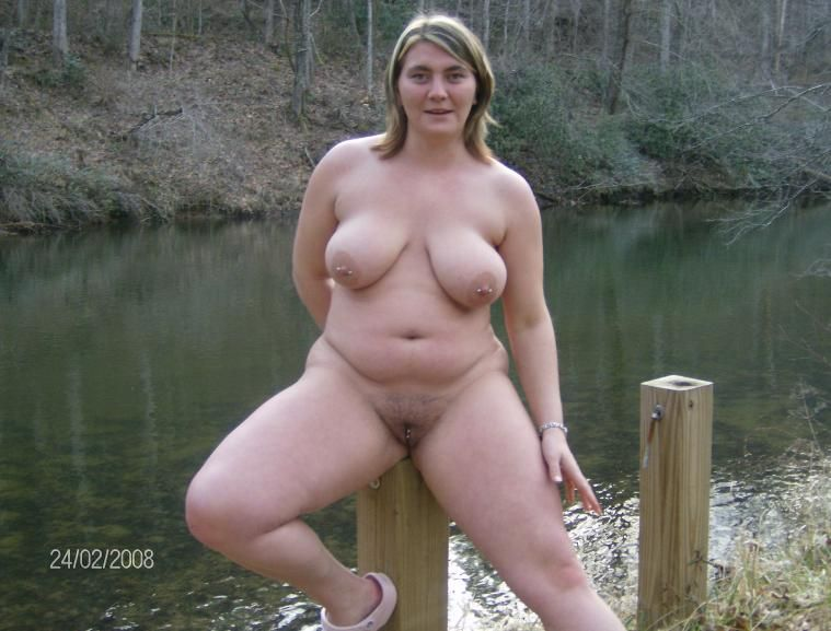 chubby naked amateurs posing