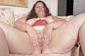 Amateur fat housewife
