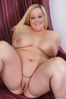 Beauty blonde bbw