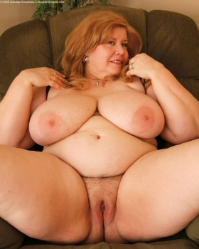 Horny naked bbw mature