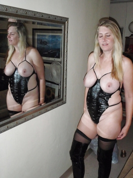 Blonde chubby amateur