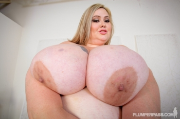 Mandy Majestic blonde ssbbw porn star.