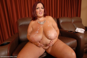 Jizz on bbw Laure juggs.