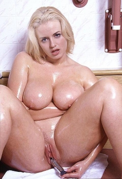 Beauty bbw with dildo. Omg she's hot!