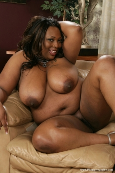Hot ssbbw plump girl posing nude