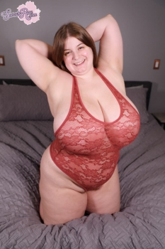 Fat girl in sexy lingerie