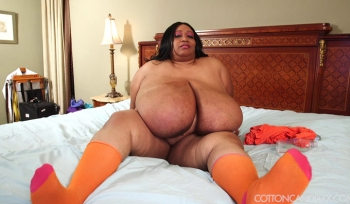 Super Busty Ebony Bbw Cotton Candi