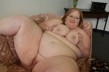 nude ssbbw pussy in bed