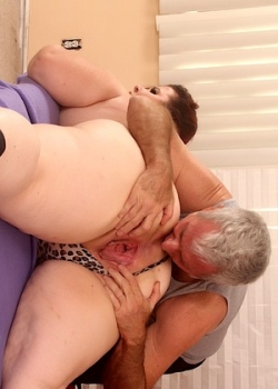 Jeff models old bastard lick a fat woman ass