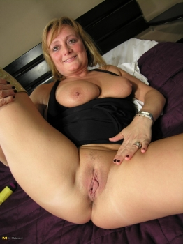 Mature and chubby wife