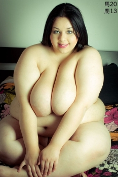 Horny fat girl nude