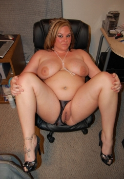 Sexy and horny chubby secretary nude