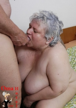 Bbw grannies sucks cock