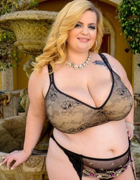bbw sexy in lingerie