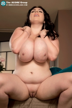 Sexy bigtits and pussy