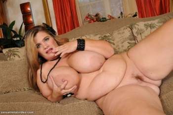 bigtitted mature fattie<br />