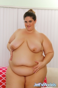 "I was browsing the ads on one of the internet dating sites . The one that caught my eye was titled SSBBW Needs Attention ! I""ve always loved big women and this one lived very near me so I read th"